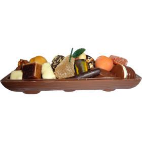 La bûche de Noël garnie de chocolat